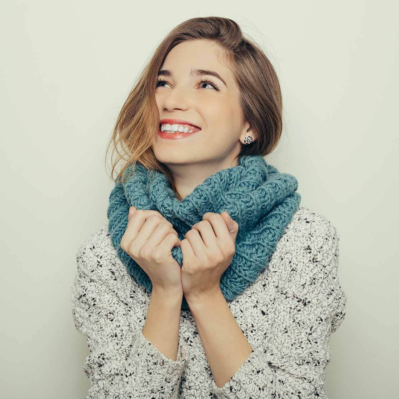 portrait-of-an-attractive-young-girl-in-winter-1